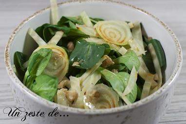 Salade de mâche et betterave jaune crue