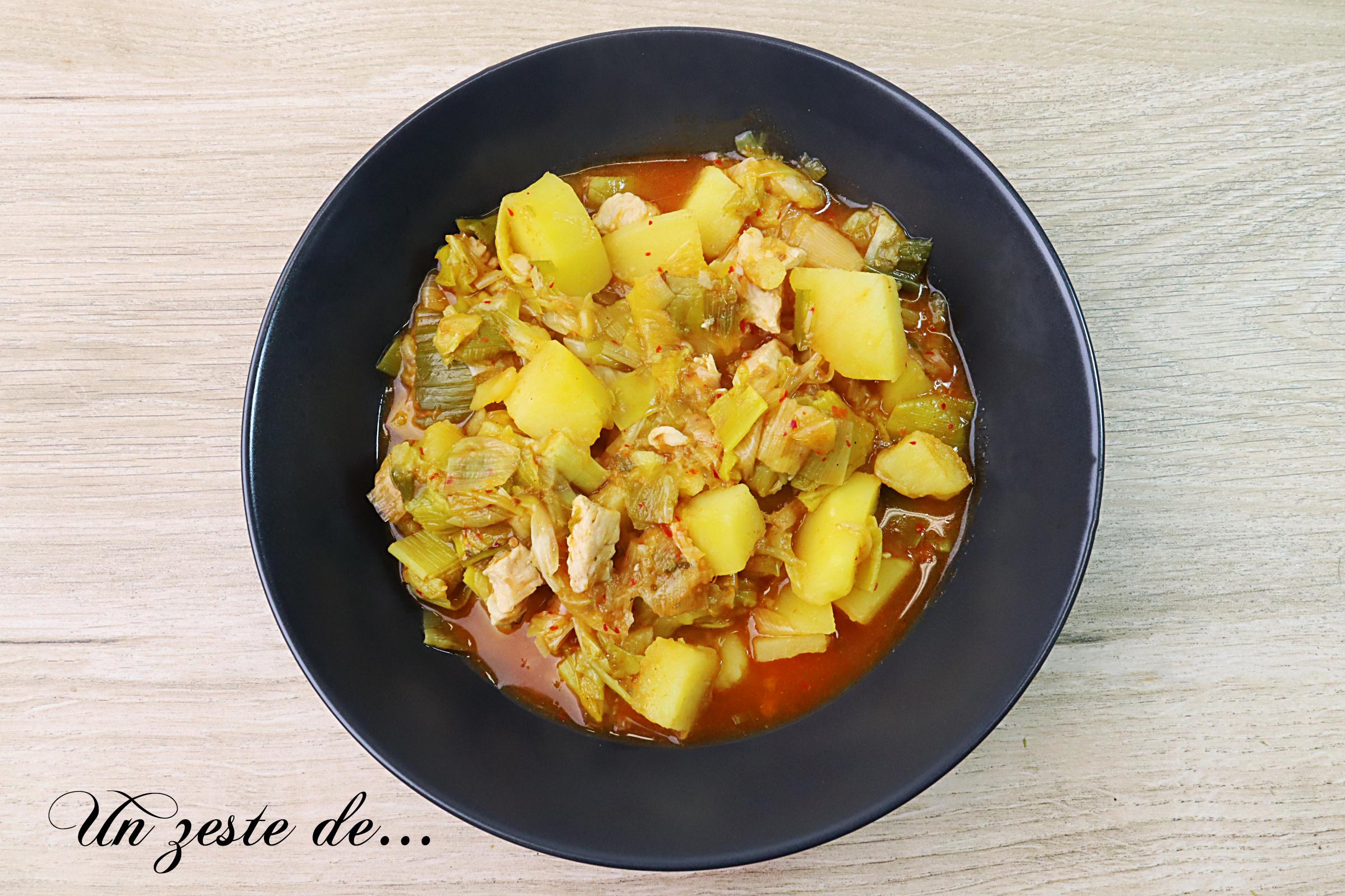 Curry rouge de poireaux, pommes de terre et poulet