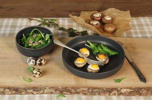 Champignons farcis aux œufs de caille cocotte