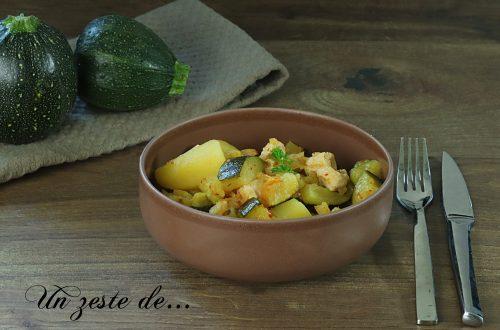 Potée de pommes de terre courgettes et poulet au curry rouge